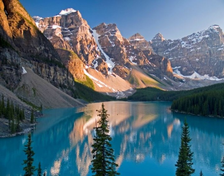 Moraine_Lake_Glacier_National_Park_Montana-752x594
